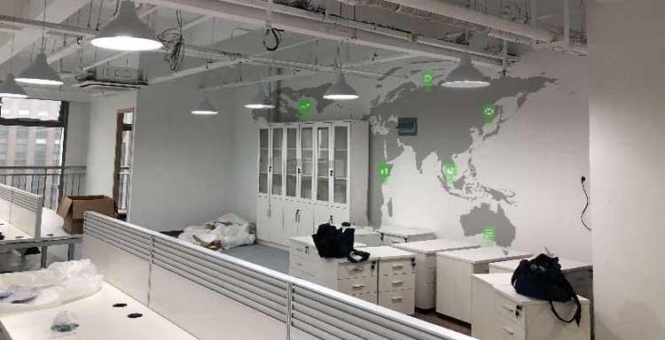 世界地图墙绘.jpg